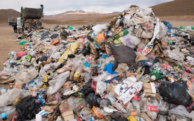 どさっと積もったゴミ