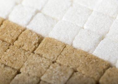 きっしりと敷き詰められた角砂糖