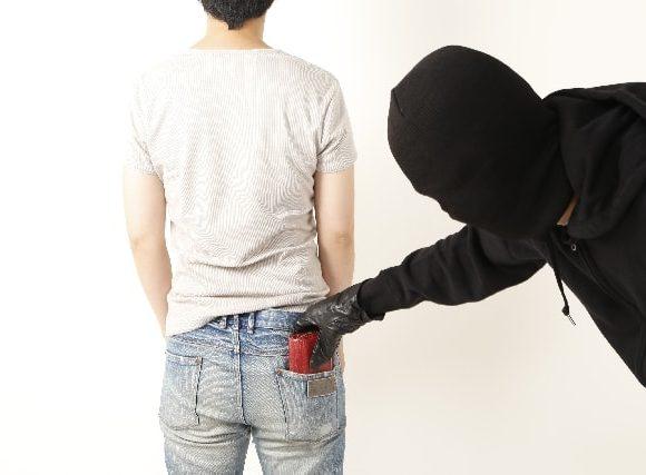 うかうかしていると財布がスリに遭うことも。