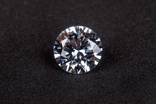 ぴっかぴっかと輝くダイヤモンド