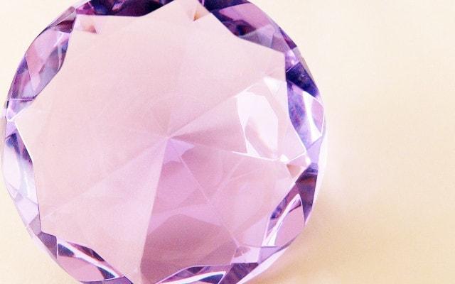 てっかりと光る宝石
