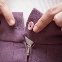 ばかばかになったスカートのボタン