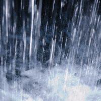 どしゃどしゃと雨が振る