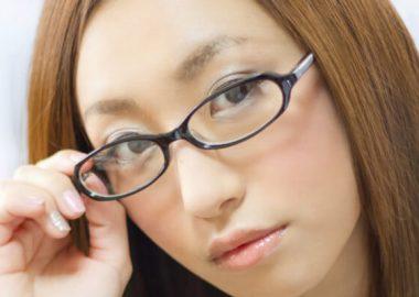 ぱちりとした目の女性