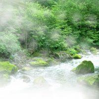 さらりさらりと流れる川